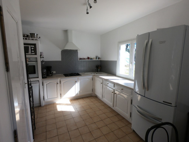 Deluxe sale house / villa Ventabren 670000€ - Picture 10