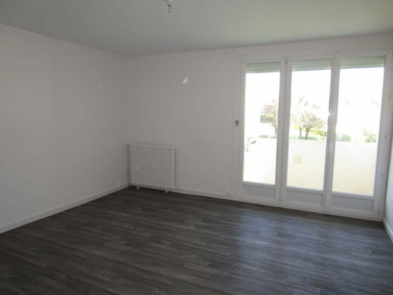 Rental apartment Carbon blanc 658€ CC - Picture 1