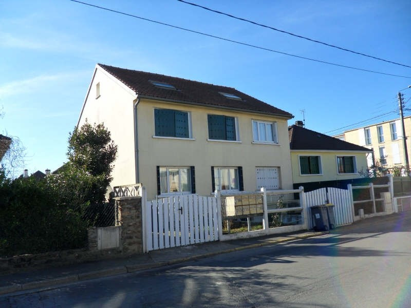Sale apartment Carrieres sous poissy 136 500€ - Picture 1