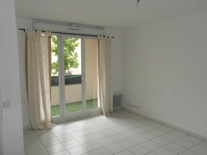 Location appartement Vaureal 695€ CC - Photo 2