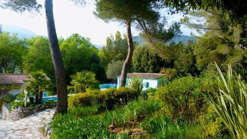 Deluxe sale house / villa Vence 1125000€ - Picture 2