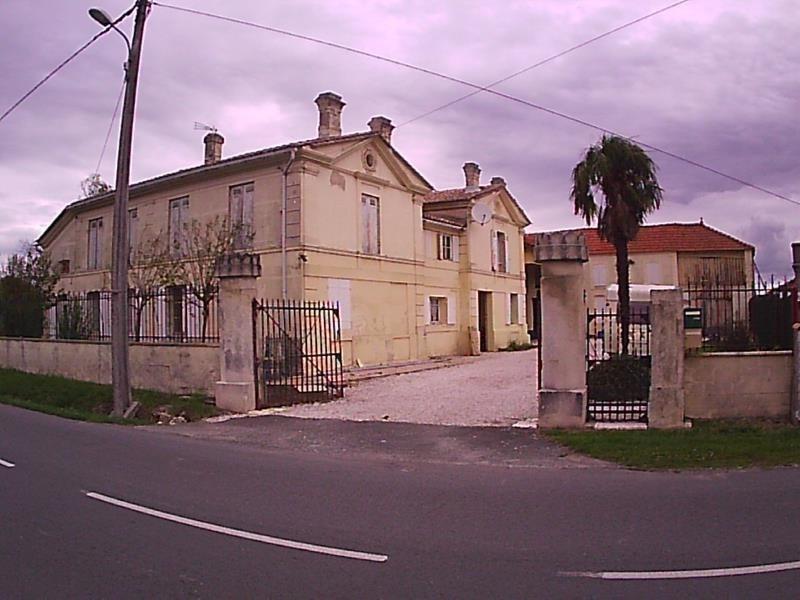 Sale house / villa St christoly de blaye 422000€ - Picture 1