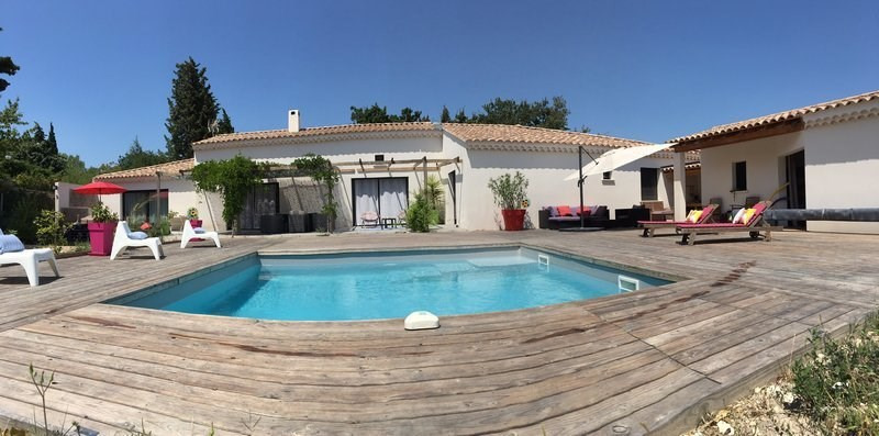 Sale house / villa Uchaux 497 000€ - Picture 1