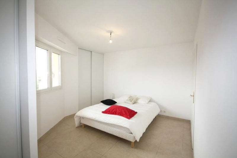 Rental apartment Juan-les-pins 1 200€ CC - Picture 3