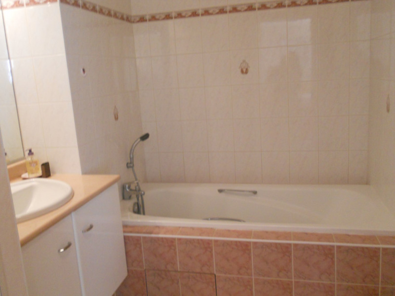 Vacation rental apartment Royan 560€ - Picture 8