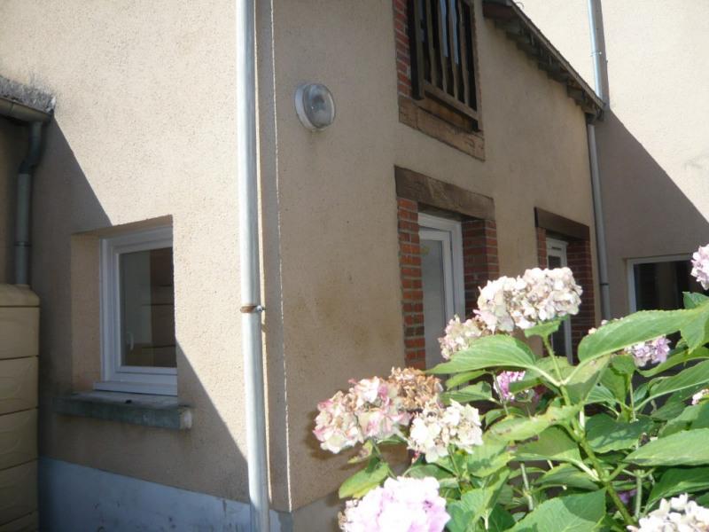 Sale house / villa Meslay du maine 79500€ - Picture 3