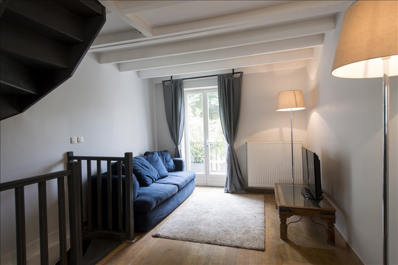 Rental apartment Ste foy les lyon 1 000€ CC - Picture 1