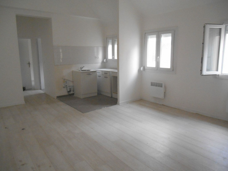 Sale apartment Crevecoeur le grand 86 000€ - Picture 1