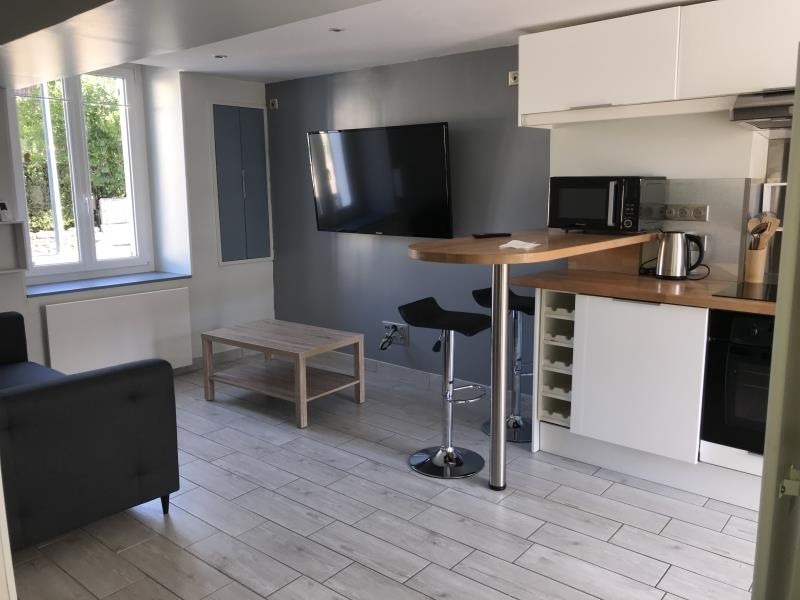 Rental apartment Les clayes sous bois 750€ CC - Picture 1