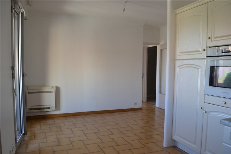 Sale apartment Carpentras 87 000€ - Picture 2