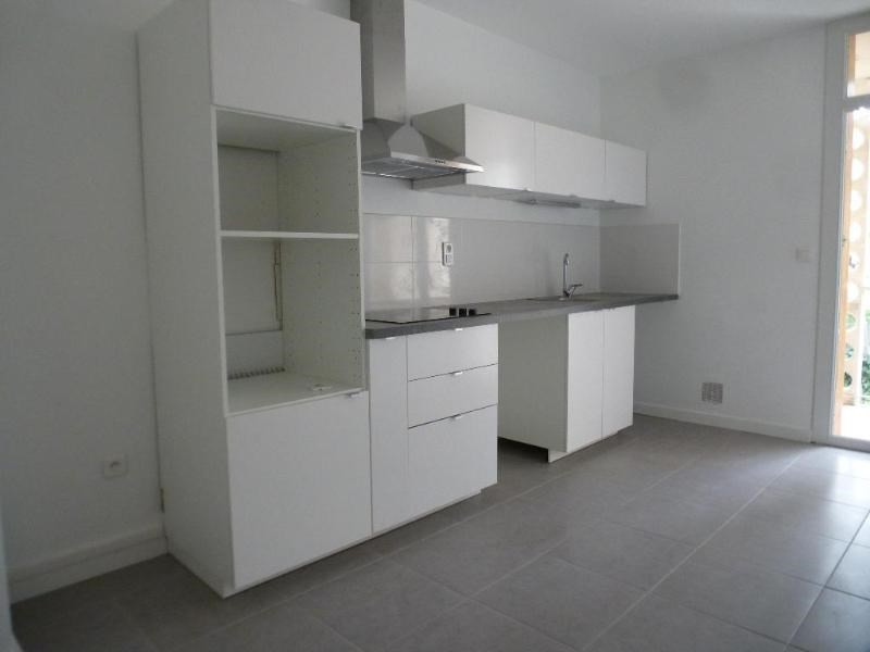 Rental apartment Aix en provence 1252€ CC - Picture 3