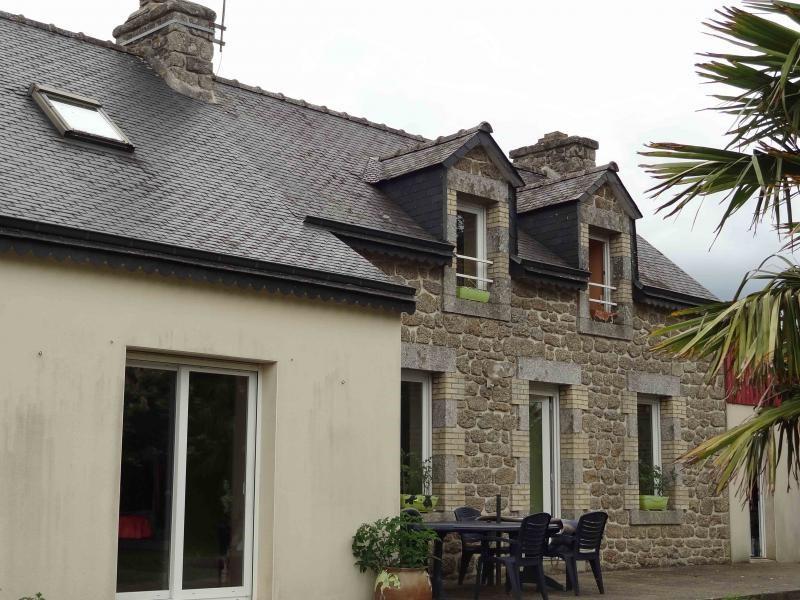 Sale house / villa Plounevez quintin 138300€ - Picture 2