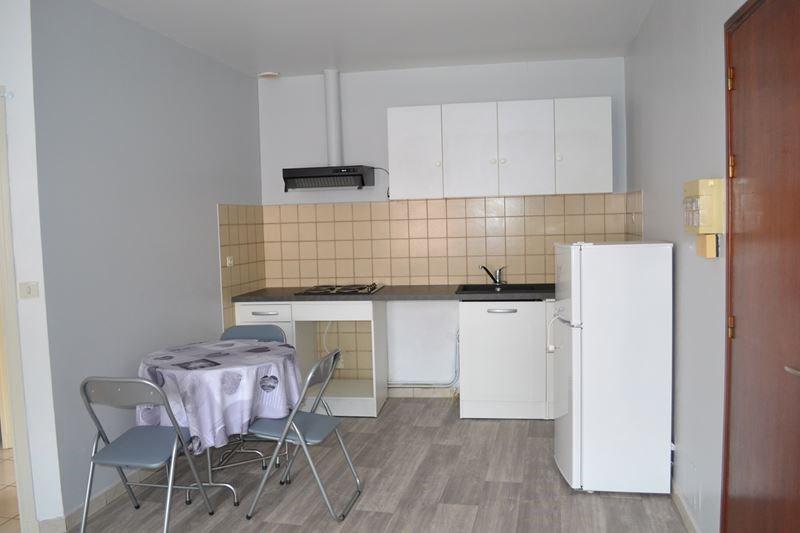 Location appartement Leguevin 429€ CC - Photo 1