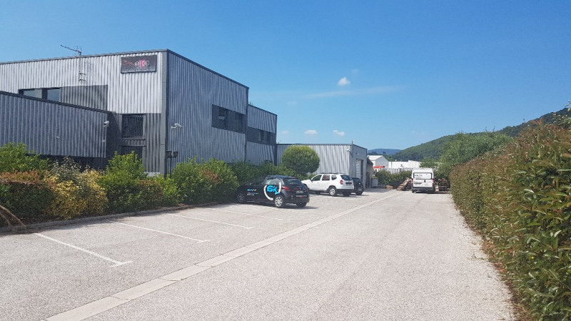 Vente local commercial Cuers 1699000€ - Photo 1