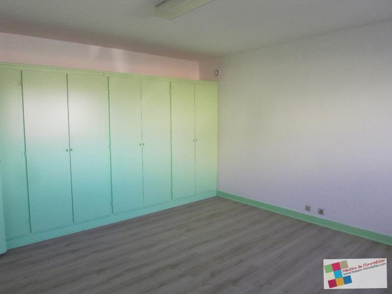 Rental empty room/storage Chateaubernard 661€ CC - Picture 2