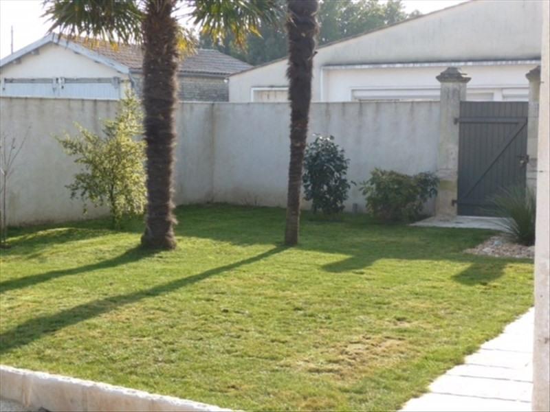 Sale house / villa Le chateau d'oleron 548550€ - Picture 7