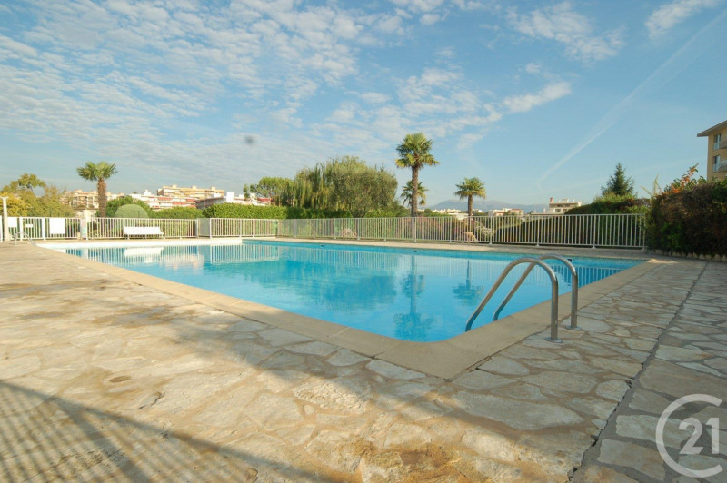 Sale apartment Antibes 249 000€ - Picture 2