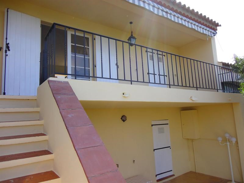 Vacation rental house / villa Les issambres 660€ - Picture 1