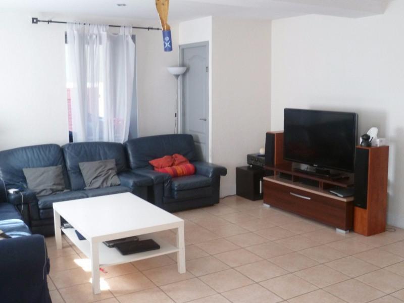 Sale apartment Villecheneve 110000€ - Picture 1