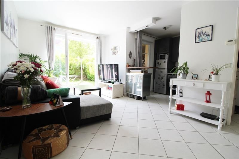 Sale apartment Maurepas 185 000€ - Picture 3