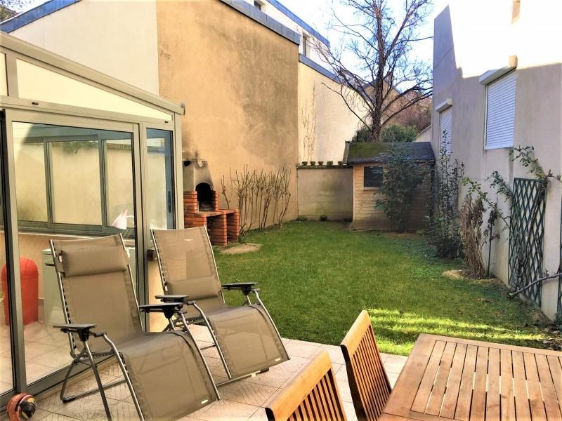 Location appartement Suresnes 1829€ CC - Photo 1