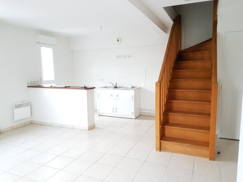 Location appartement Aubigny sur nere 554€ CC - Photo 1