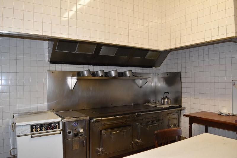 Sale house / villa Arcens 350000€ - Picture 10