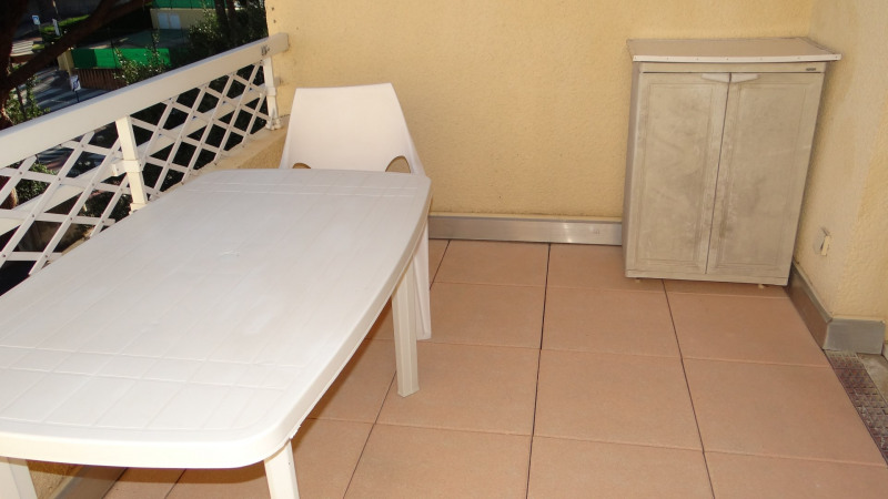 Vacation rental apartment Cavalaire sur mer 550€ - Picture 3