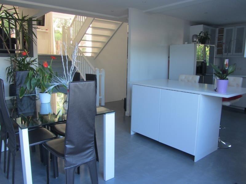 Sale house / villa Osny 388500€ - Picture 1