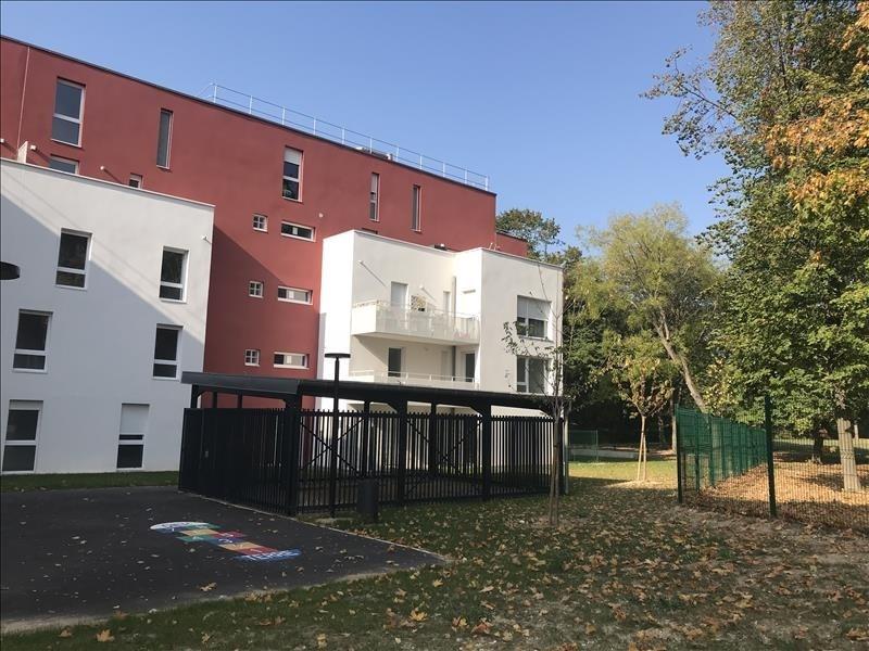 Rental apartment Dugny 853€ CC - Picture 1