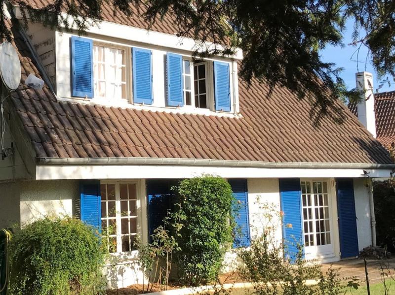 Sale house / villa Les essarts-le-roi 365000€ - Picture 1