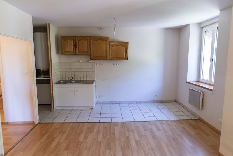 Location appartement Nantua 330€ CC - Photo 2