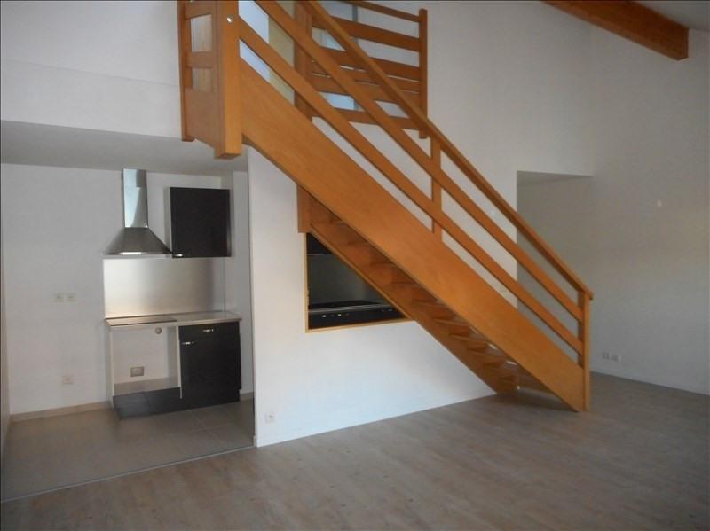 Locação apartamento Voiron 593€ CC - Fotografia 1