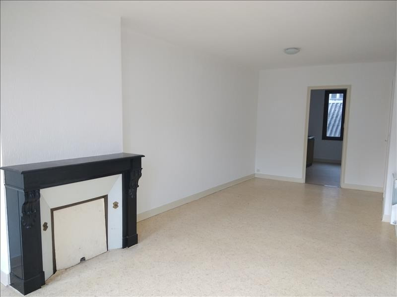 Rental apartment Vendome 430€ CC - Picture 1