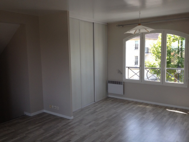 Location appartement Longpont sur orge 765€ CC - Photo 2