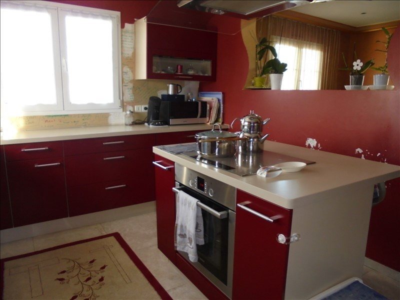 Sale apartment Marnaz 272 000€ - Picture 2