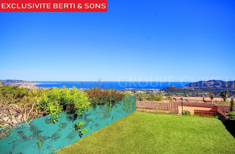 SOLE AGENT - SECURE DOMAIN - BEAUTIFUL 2 ROOM APARTMENT RENOVATED WITH SEA VIEW
