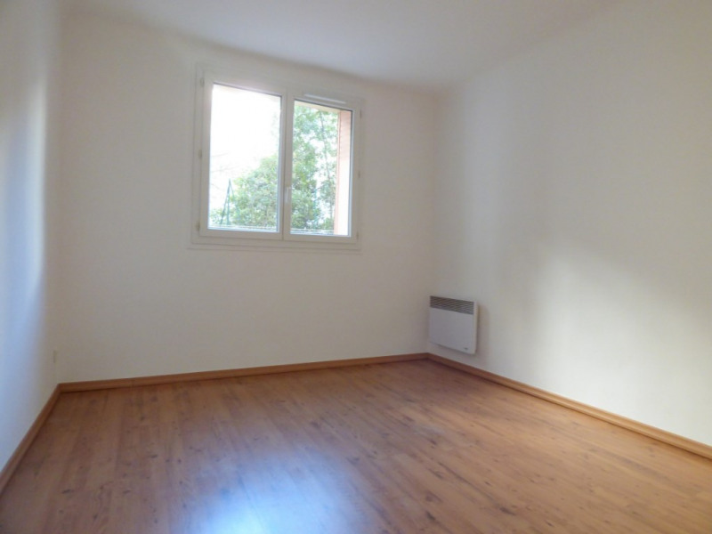 Sale apartment Marseille 4ème 98 000€ - Picture 2