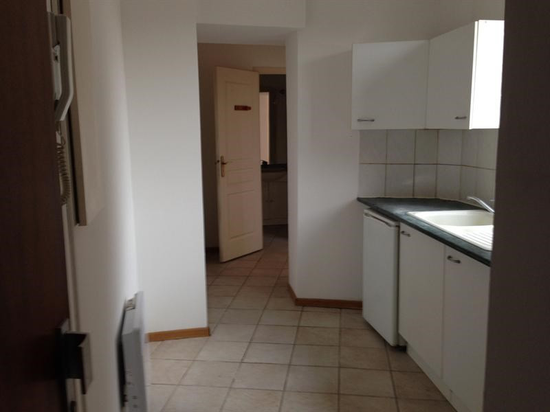 Sale apartment Lille 110 000€ - Picture 2