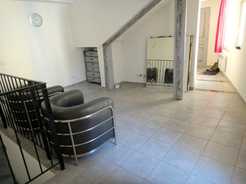 Location appartement Rians 660€ CC - Photo 2