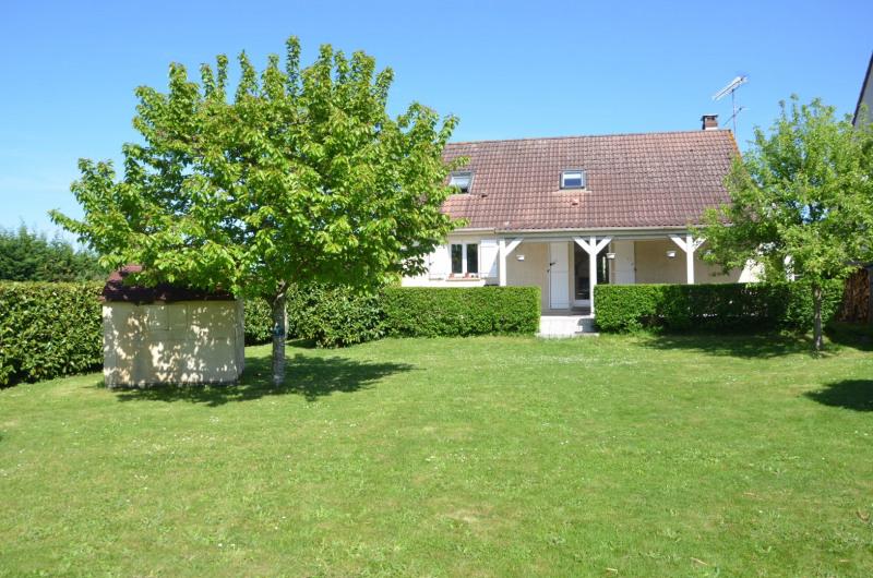Maison traditionnelle avec joli jardin clos