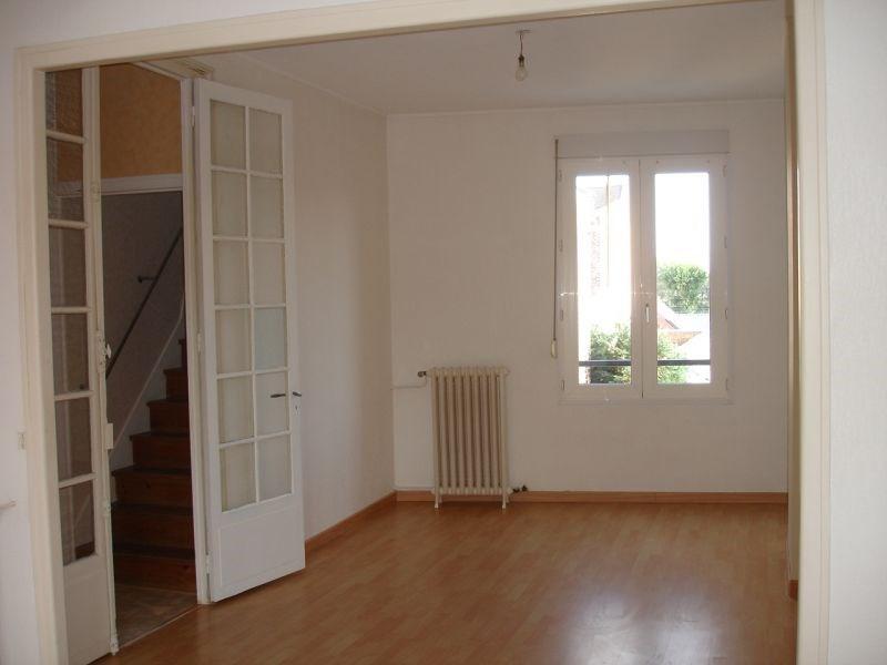 Rental apartment Saint quentin 460€ CC - Picture 2