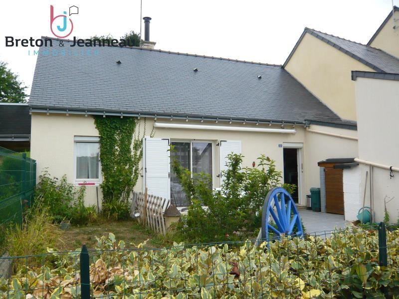 Sale house / villa Juvigne 79500€ - Picture 1