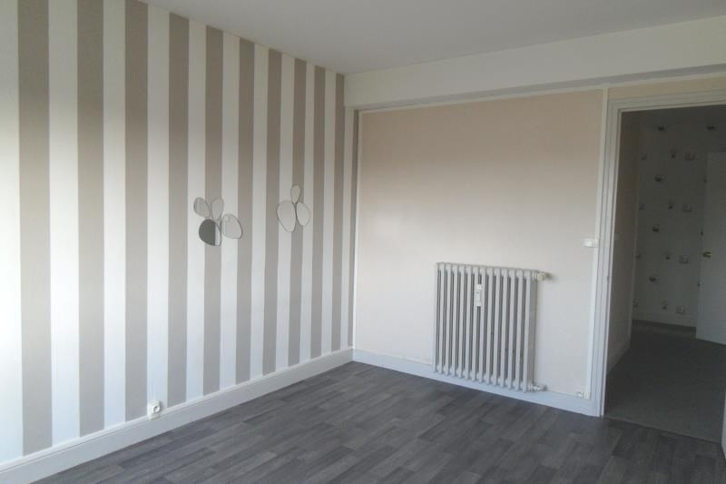 Rental apartment Breviandes 370€ CC - Picture 3