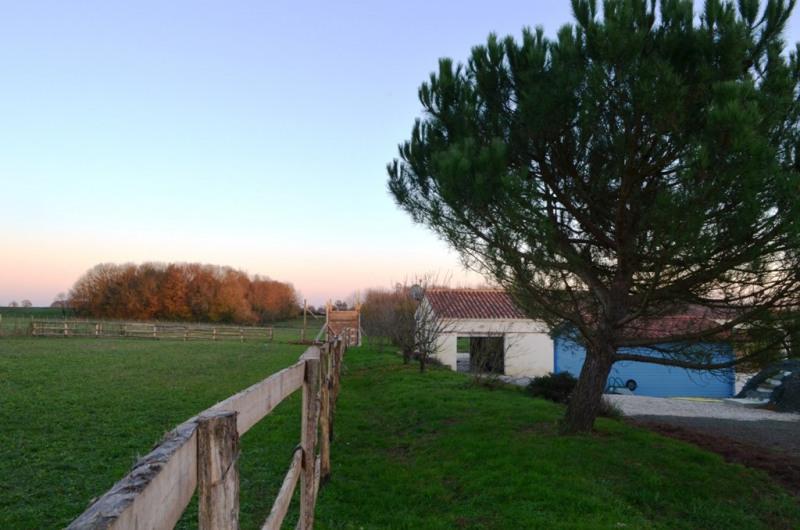 Vente maison / villa Fontenay le comte 240000€ - Photo 2