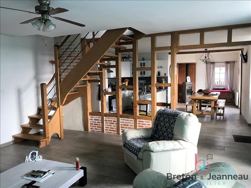 Sale house / villa Ampoigne 208000€ - Picture 2