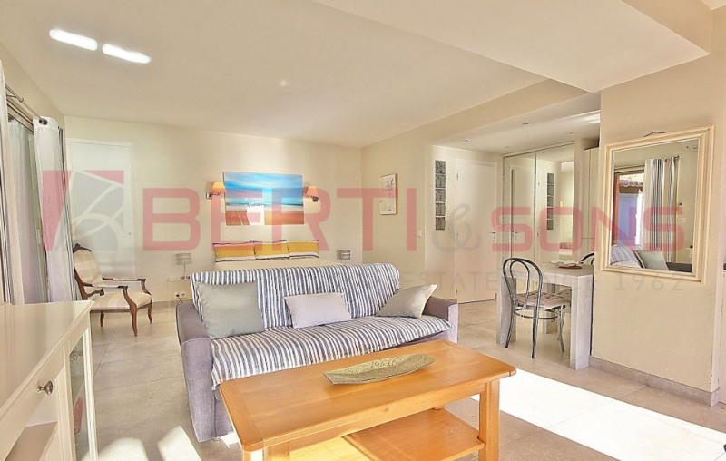 Vente de prestige appartement Theoule sur mer 726000€ - Photo 8