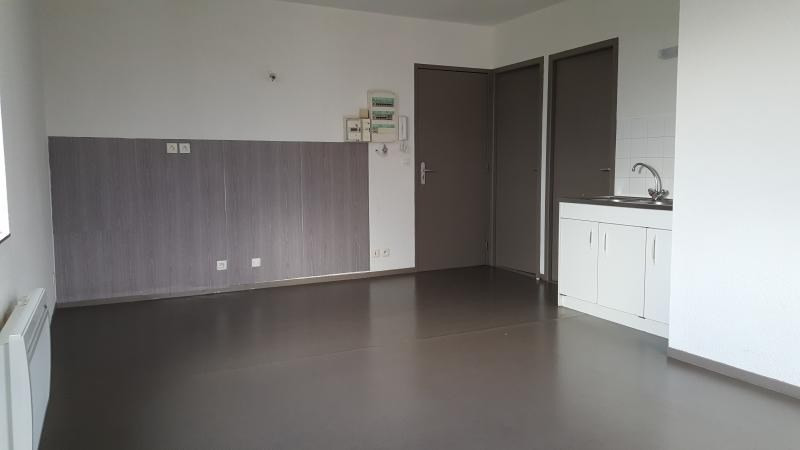 Rental apartment Pont d'ain 337€ CC - Picture 3