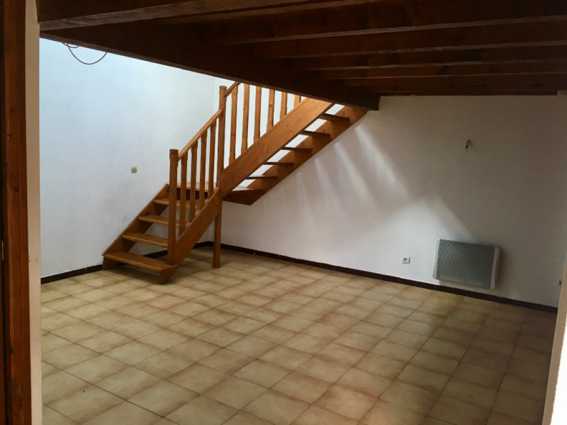 Location appartement Garons 488€ CC - Photo 1