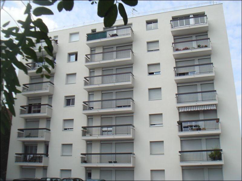Rental apartment Savigny 594€ CC - Picture 1